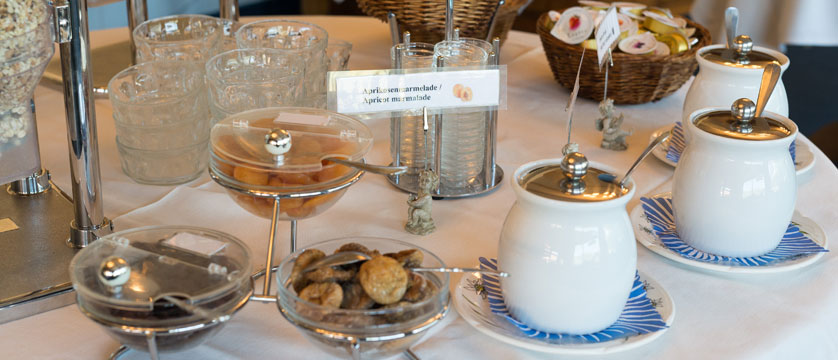 Hotel Jungfrau Lodge, Grindelwald, Bernese Oberland, Switzerland - breakfast buffet.jpg